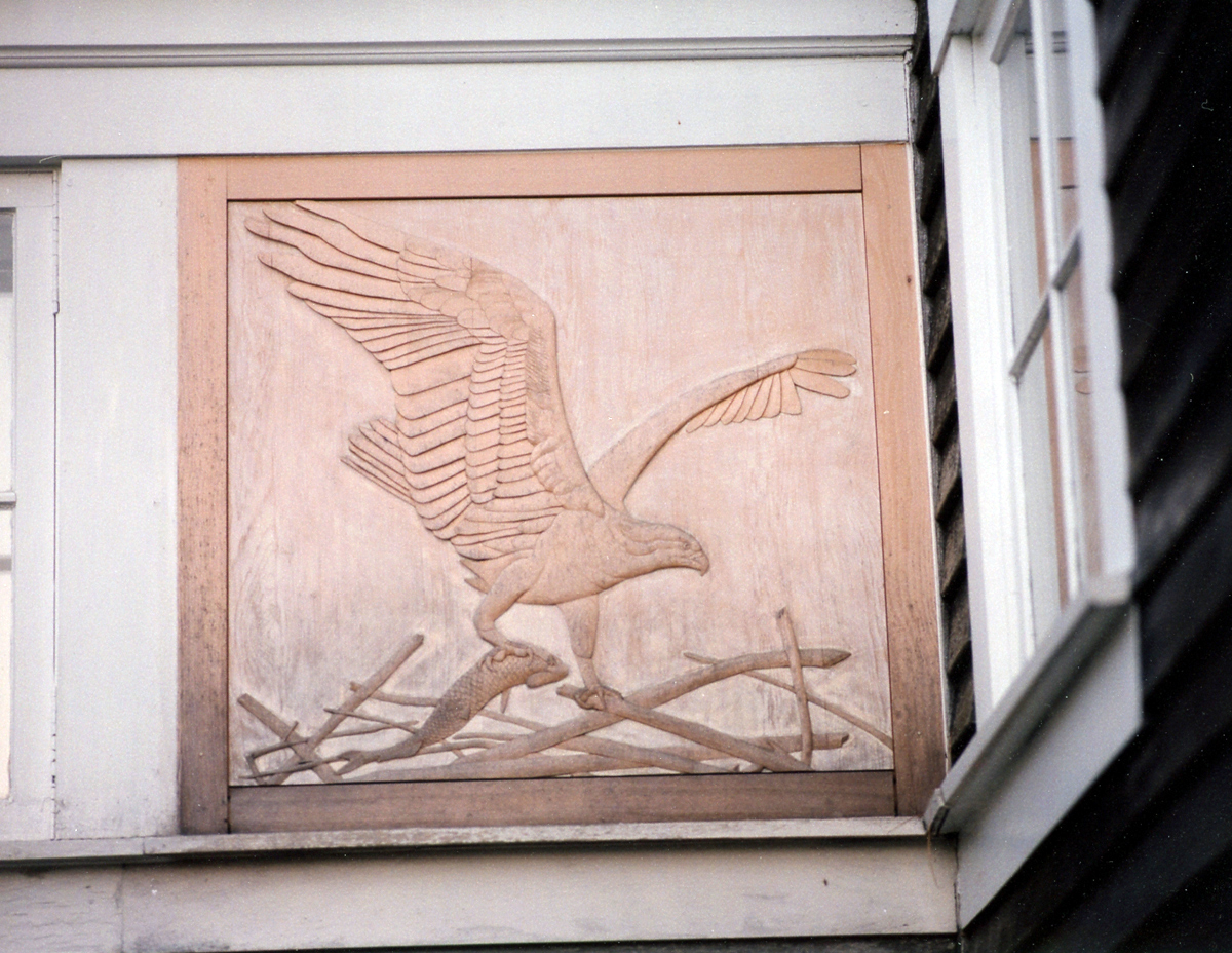 Osprey relief on side of Wendell Gilley Museum building